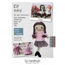 Urocza lalka z włóczki- Astrid ZESTAW (włosy ciemnobrązowe,róż i tiul)